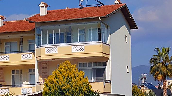 Остекление балкона 8мм стеклом на частной вилле - Пайаллар