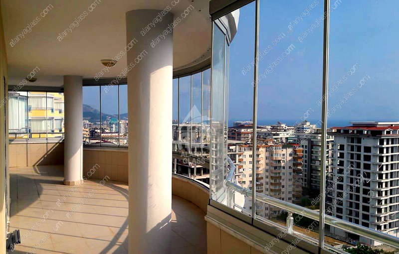 Остекление большого балкона в Toros Cekic 9 - Махмутлар