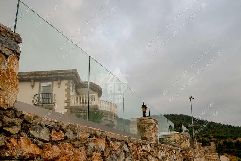 Перила из двойного стекла для виллы - Джикджилли